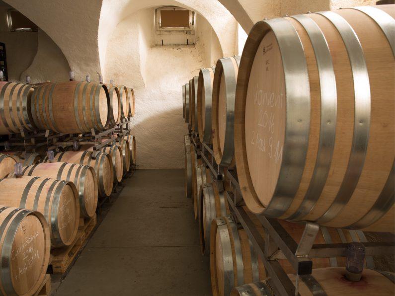 Lagerung Weinfässer