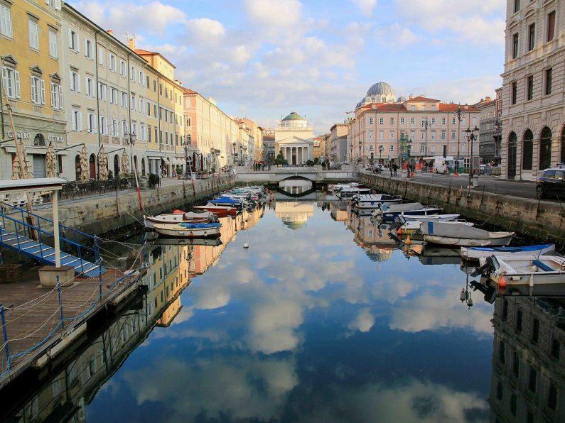 Alter Hafen in Triest_Italien